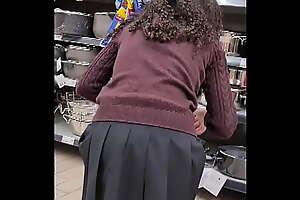 SPYING TEEN GIRL AT SUPERMARKET - SHORT SKIRT