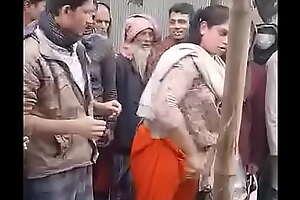Desi kinner getting naked in market
