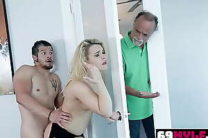 Blaten Lee Her Mature Pussy Aches