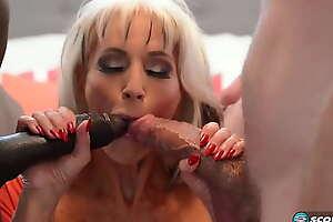Granny loves double penetration