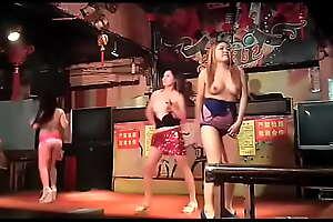 农村裸舞表演乱轮母子大嫂制服清纯学生