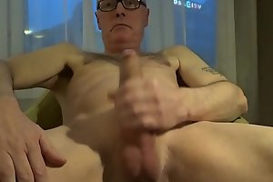 Perv Ulf Larsen wank and ejaculate in hotel