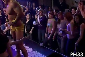 Drunk cheeks sucking pecker in club