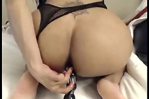 Teen Shemale Dildoing Her Sexy Asshole On Cam