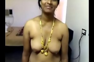 xxx video 20071118-PV0001-Nellore (IAP) Telugu 40 yrs old married housewife aunty Vinitha showing her boobs and pussy sex porn video