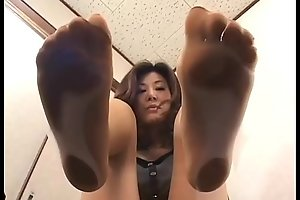 4 oriental angels with perspired feet under glass