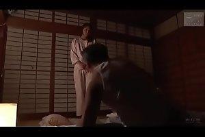 Japanse slet stiefmoeder (Zie meer: bit.ly/2ReMYhc)