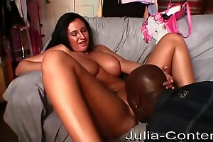 Her first fuck with a black rapper