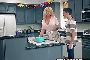 Brazzers.com - mammy got meatballs - my friends screwed my mammy instalment vice-chancellor ryan conner, jordi el ni&ntild
