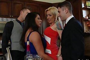 Swingers group-sex fuckfest couples