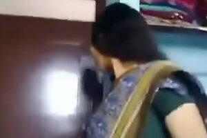 Desi aunty shacking up