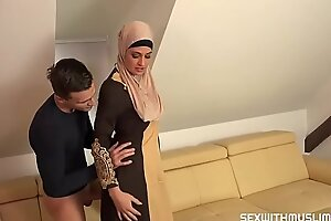 hot arabian women get fucked hard in her ass