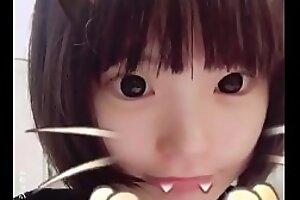 可爱的萝莉中国女孩在手边雪应用-色情ahoylolisex xxx视频