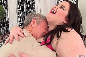Big boobed plumper Holly Jayde fucked good