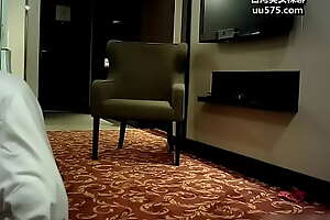 约约哥精品大片酒店调教大学时认识的93年175CM超长美腿美女,苗条性感